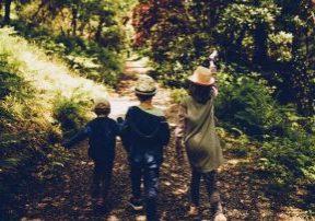 kids_walking_path_12_27_19